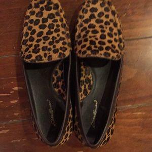 Eddie Bauer leopard print loafers